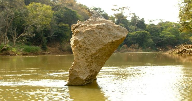 Esculpida pelo rio